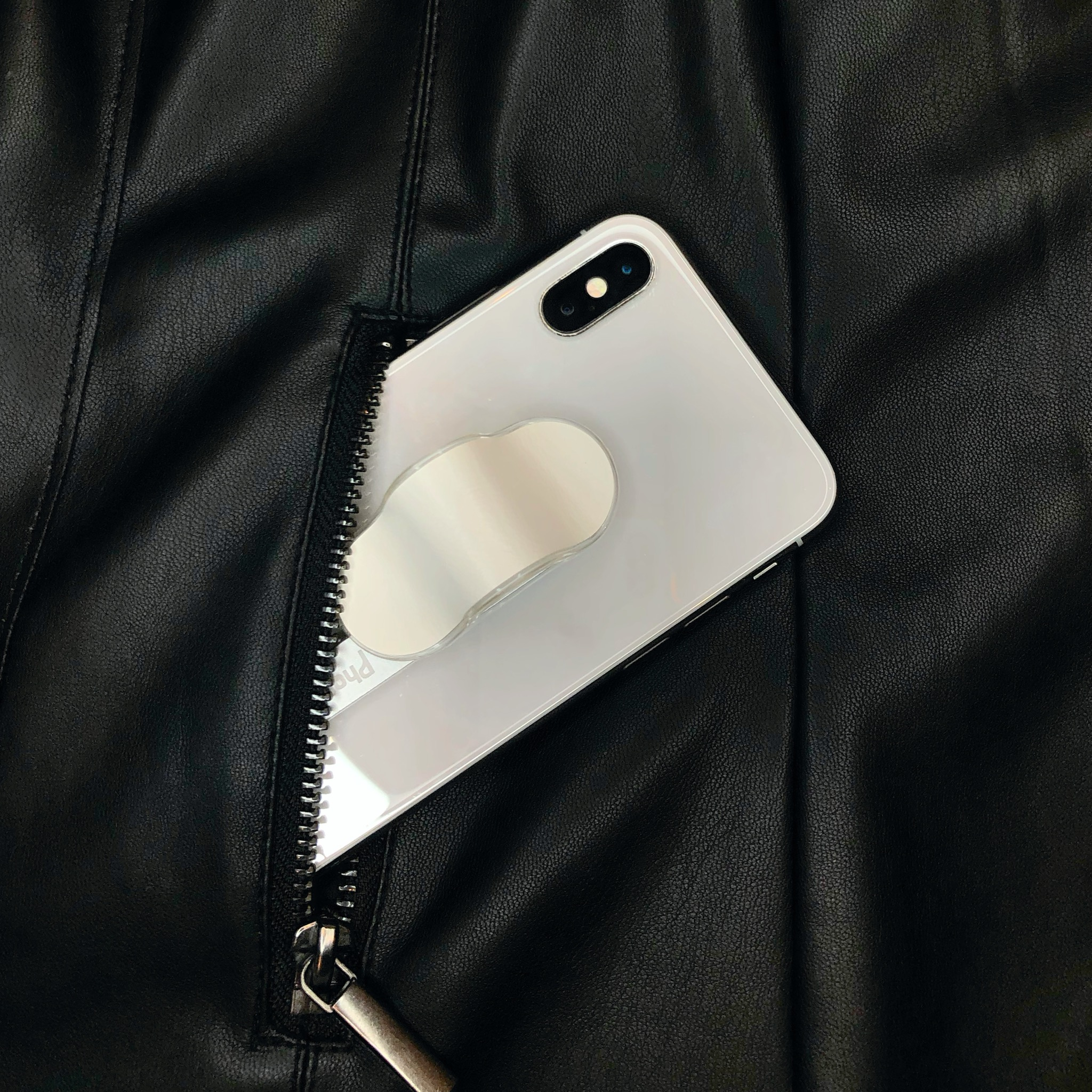PhoneFin Leather